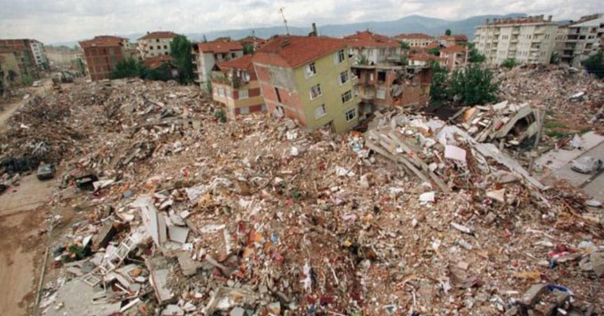 Büyük Depremler İçinde Gölcük Depremi