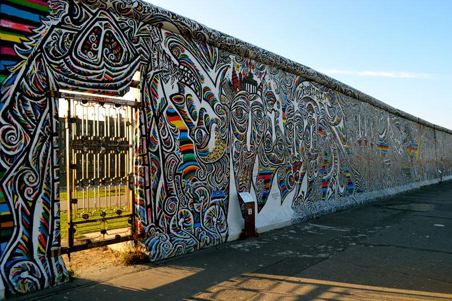 Berlin Duvarının Yapılıştan Yıkılışa Serüveni