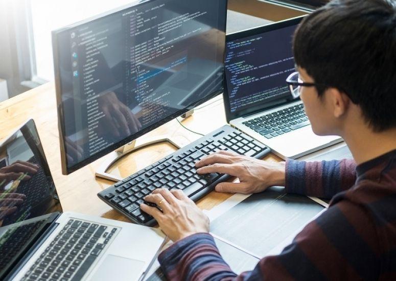 En İyi 10 Online Bilişim Teknolojileri Kursu
