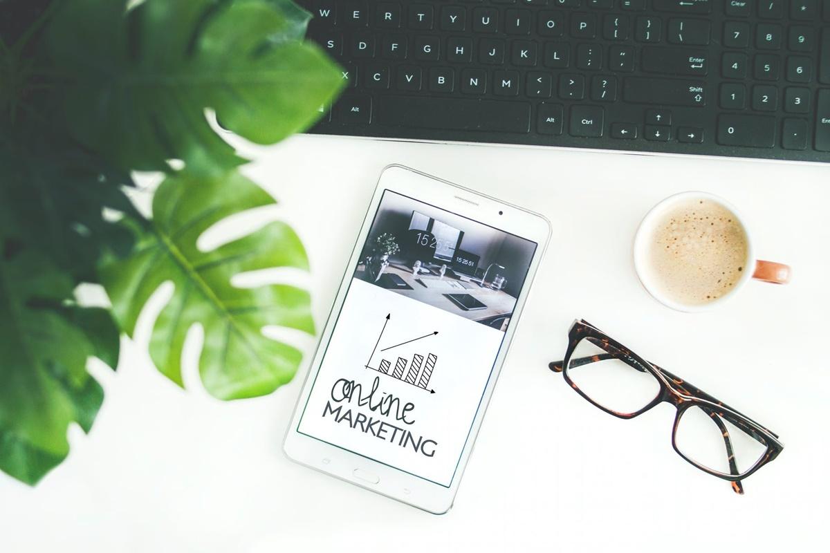 Dijital Pazarlama Uzmanı Ne İş Yapar? Maaşı Ne Kadar?
