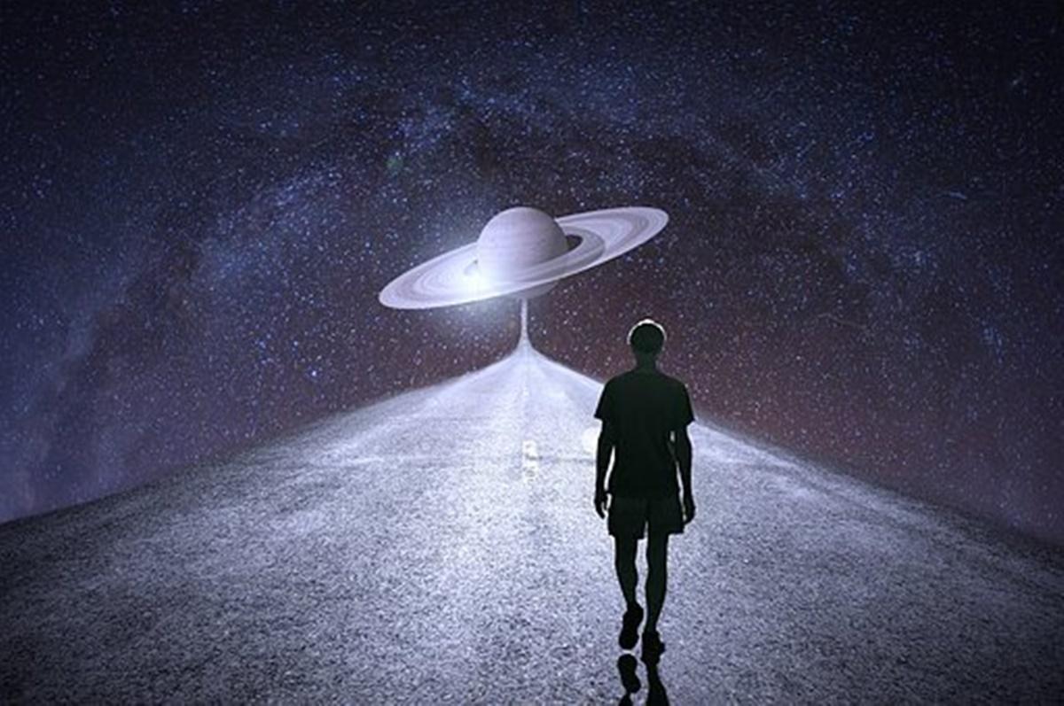 Satürn'ün Sıra Dışı Bir Gezegen Olduğunu Kanıtlayan 10 Bilgi