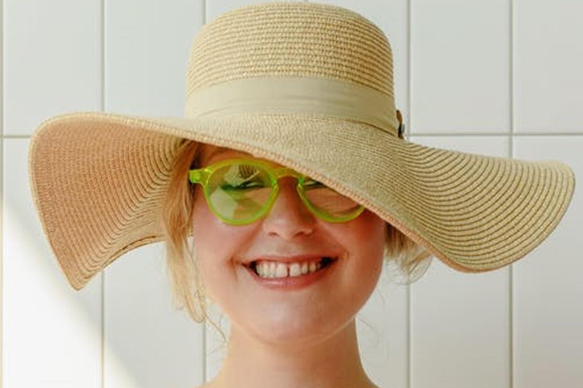 Güneş Gözlüğünün Cam Rengi Nasıl Olmalıdır?